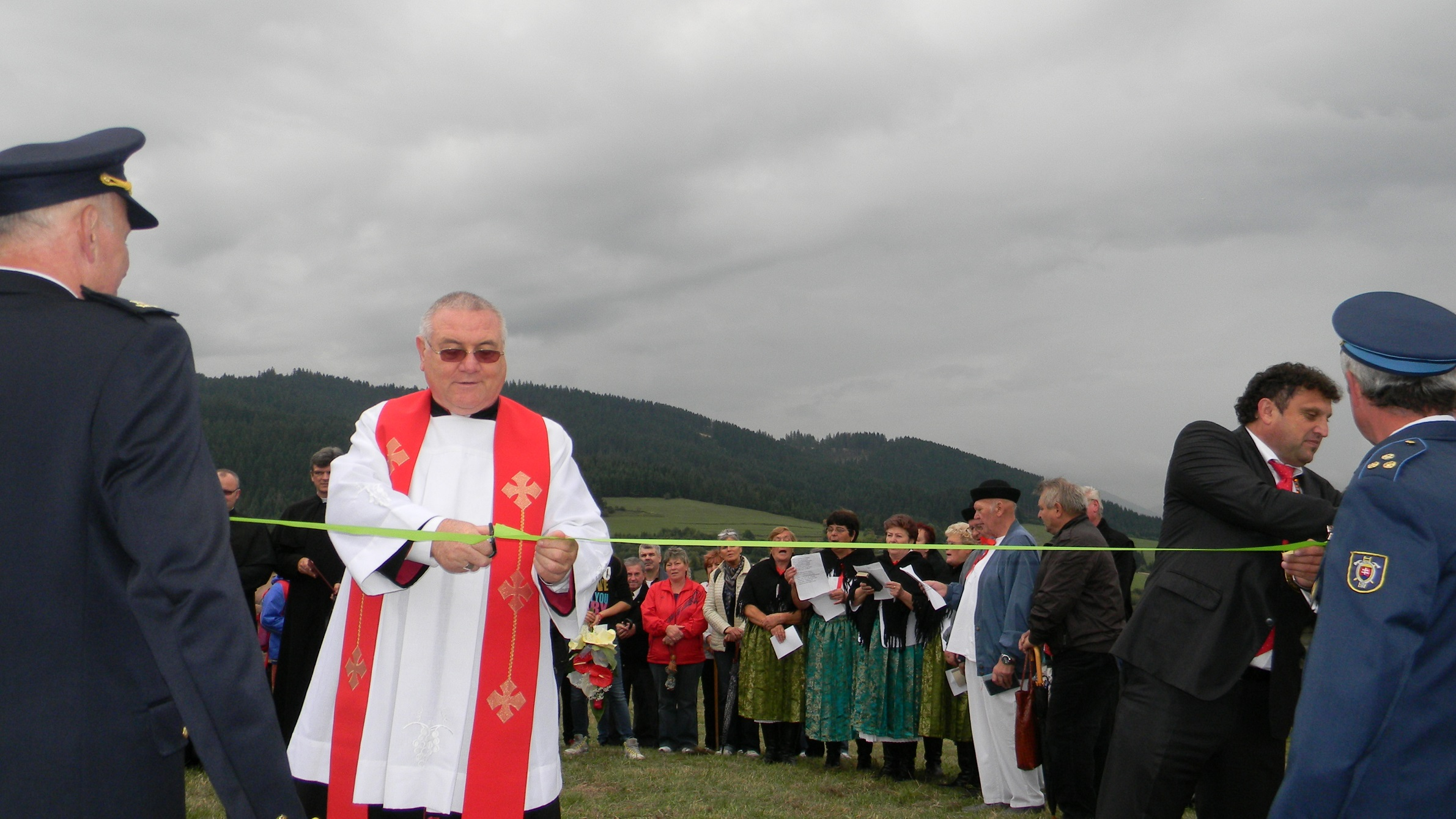 Posvätenie krížovej cesty v obci Kysucký Lieskovec